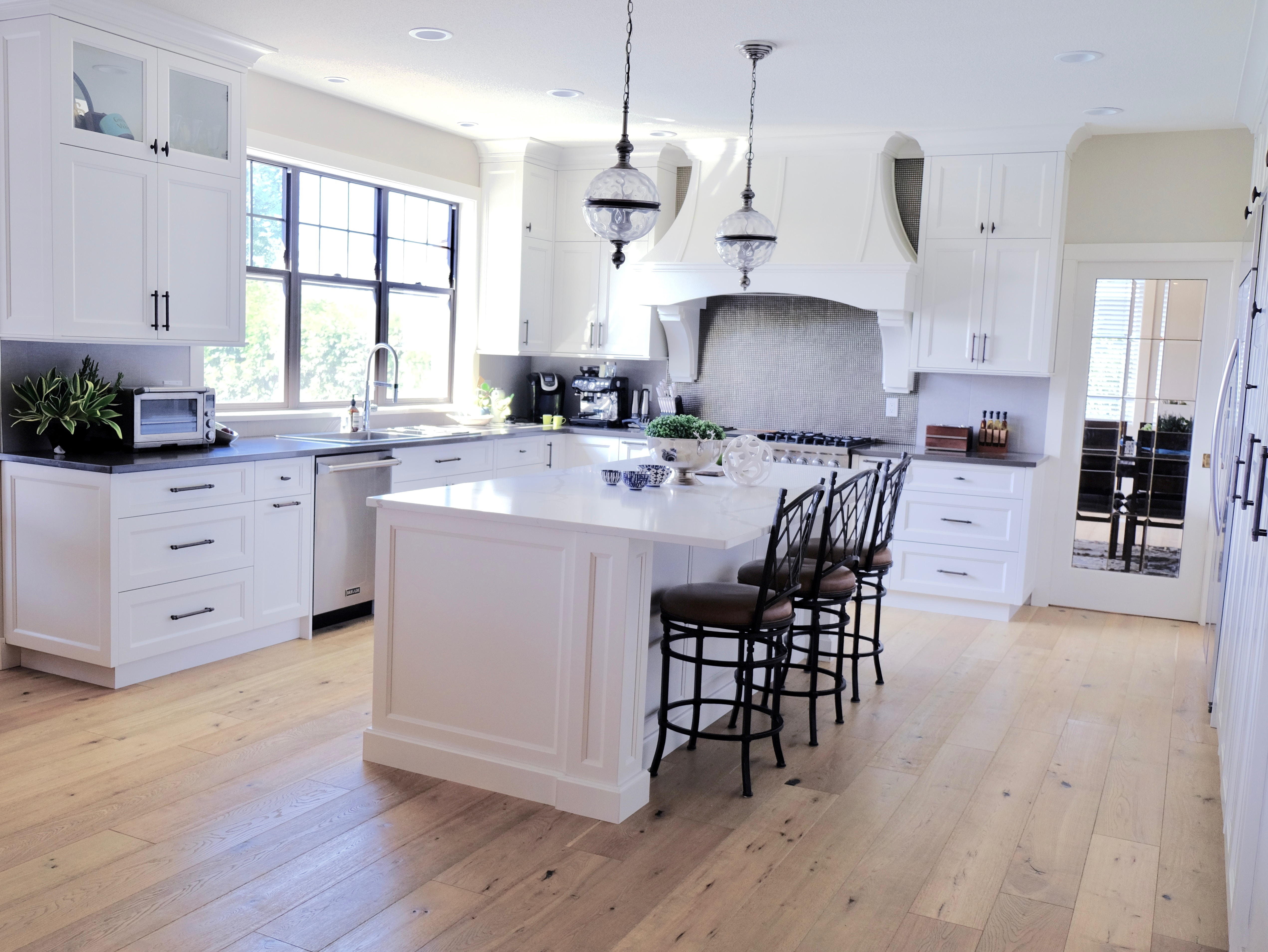 Kitchen cabinet painting and white